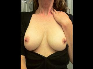 My Medium Tits Selfpic by Clara