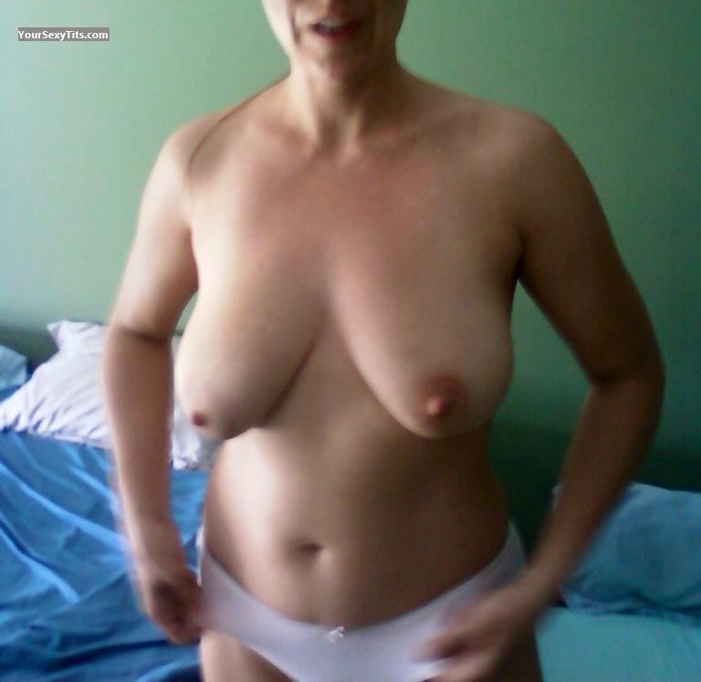 Tit Flash: Big Tits By IPhone - Amy from United States