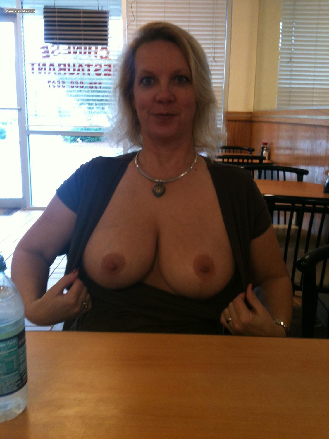 restaurant Wife flashing tits