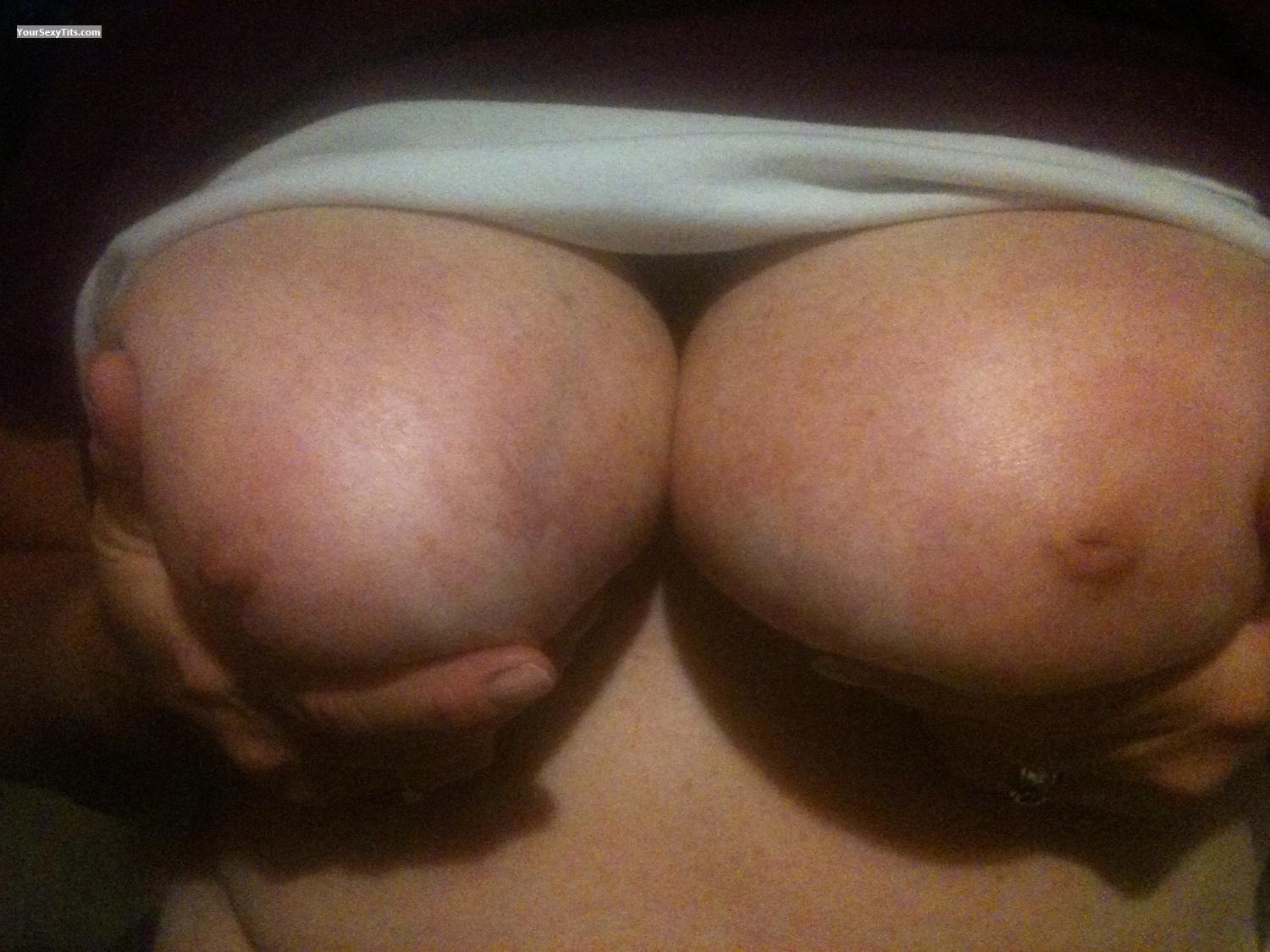 Tit Flash: Big Tits By IPhone - Cavemanforboobs from United States