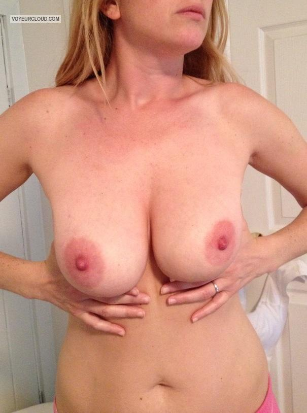 Tit Flash: Big Tits By IPhone - Esco from United States