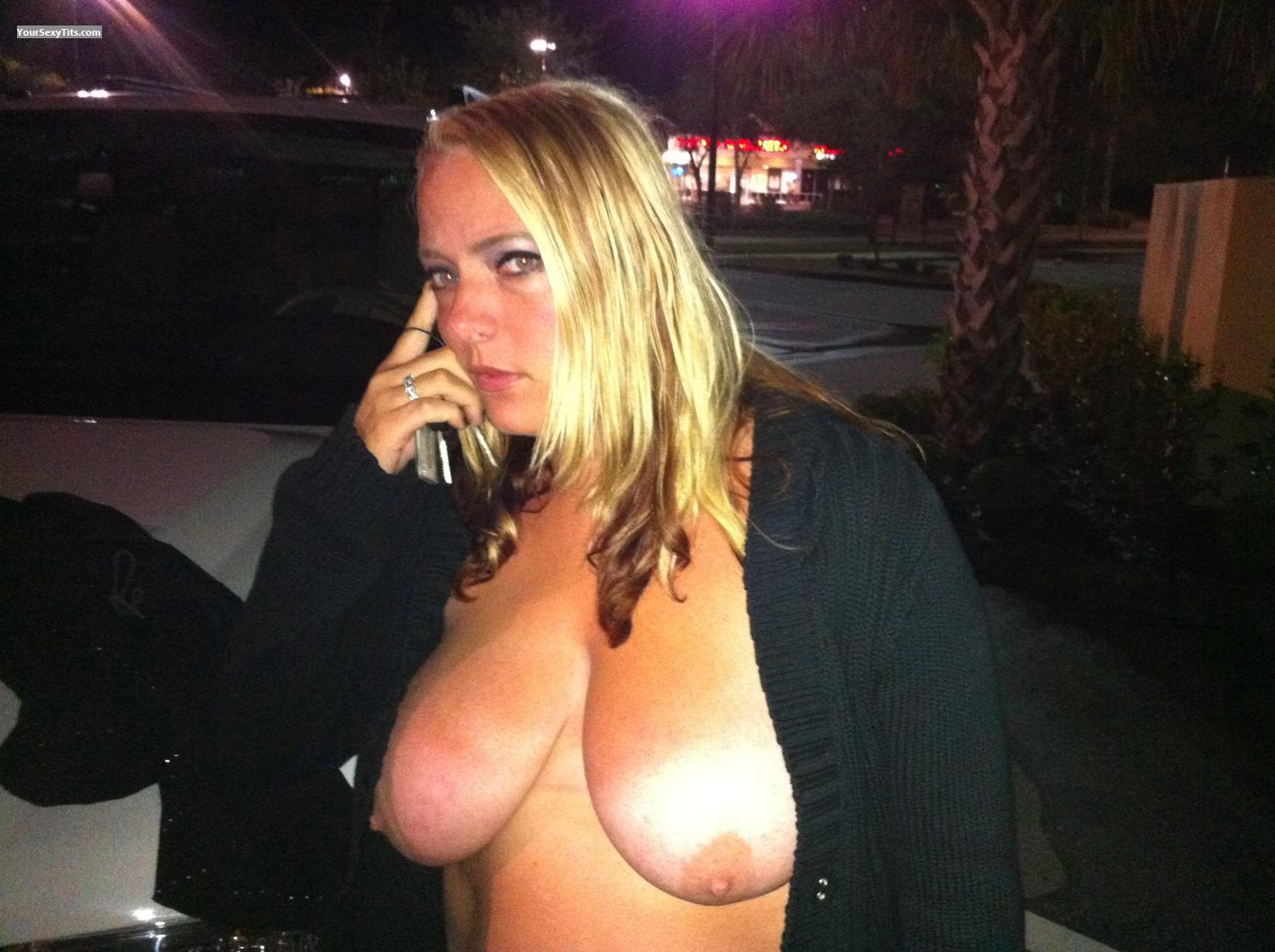 Big Tits Topless Partylady