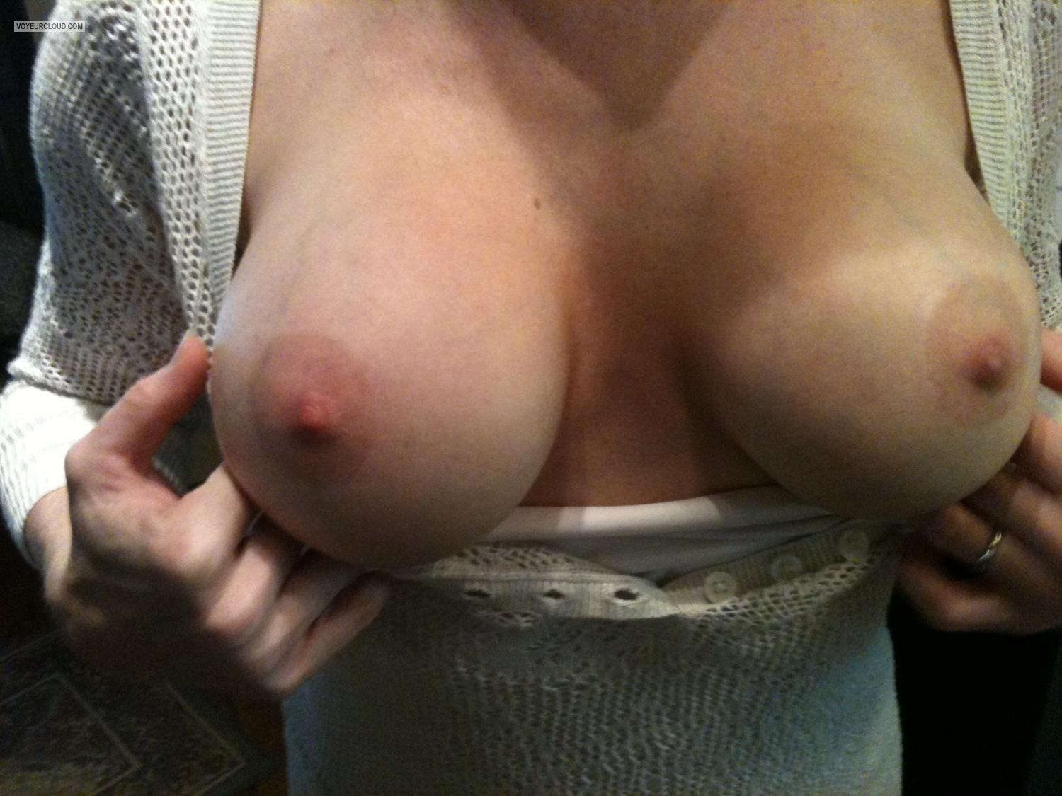 Tit Flash: Medium Tits By IPhone - Kat from United States
