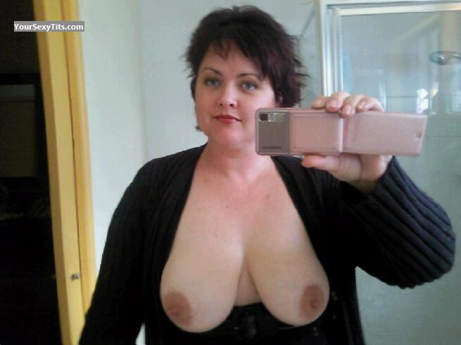 Tit Flash: Big Tits By IPhone - Topless Luvmydds from Australia