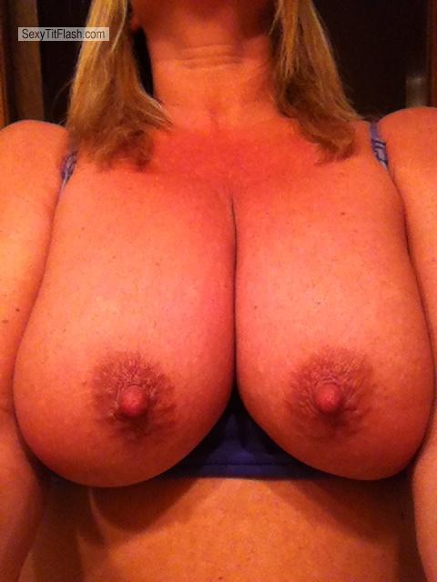 Tit Flash: Big Tits By IPhone - Tracey from United States