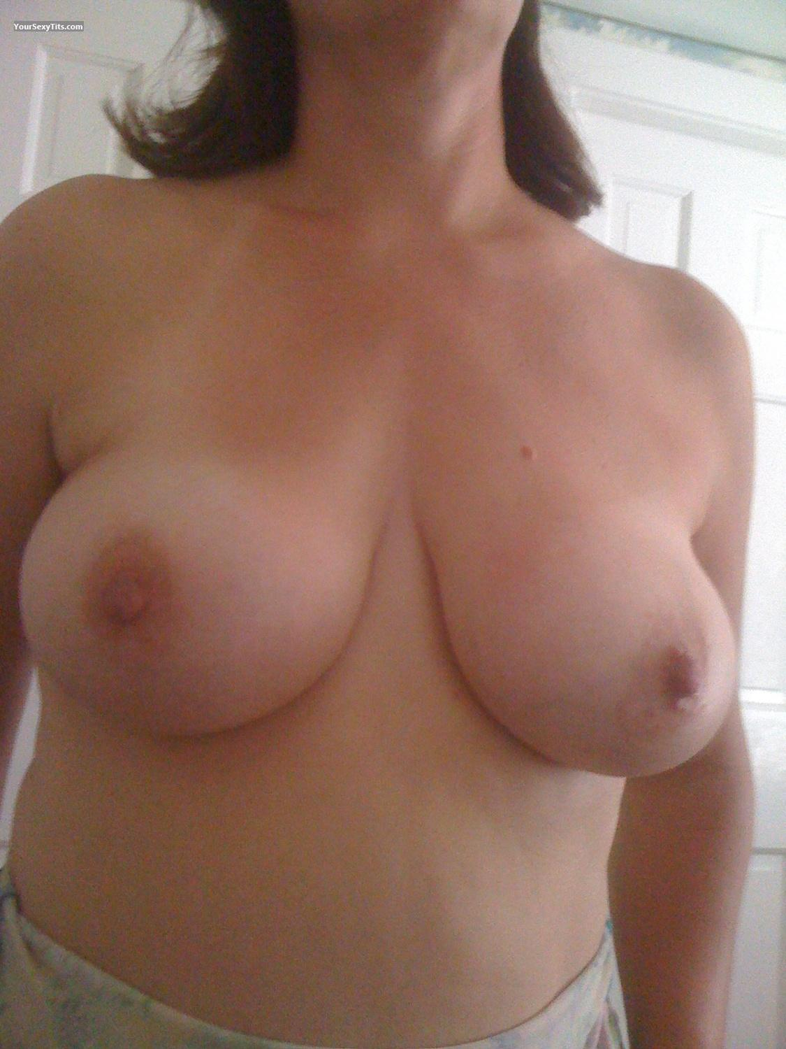 Tit Flash: Big Tits By IPhone - Boobsla from United States