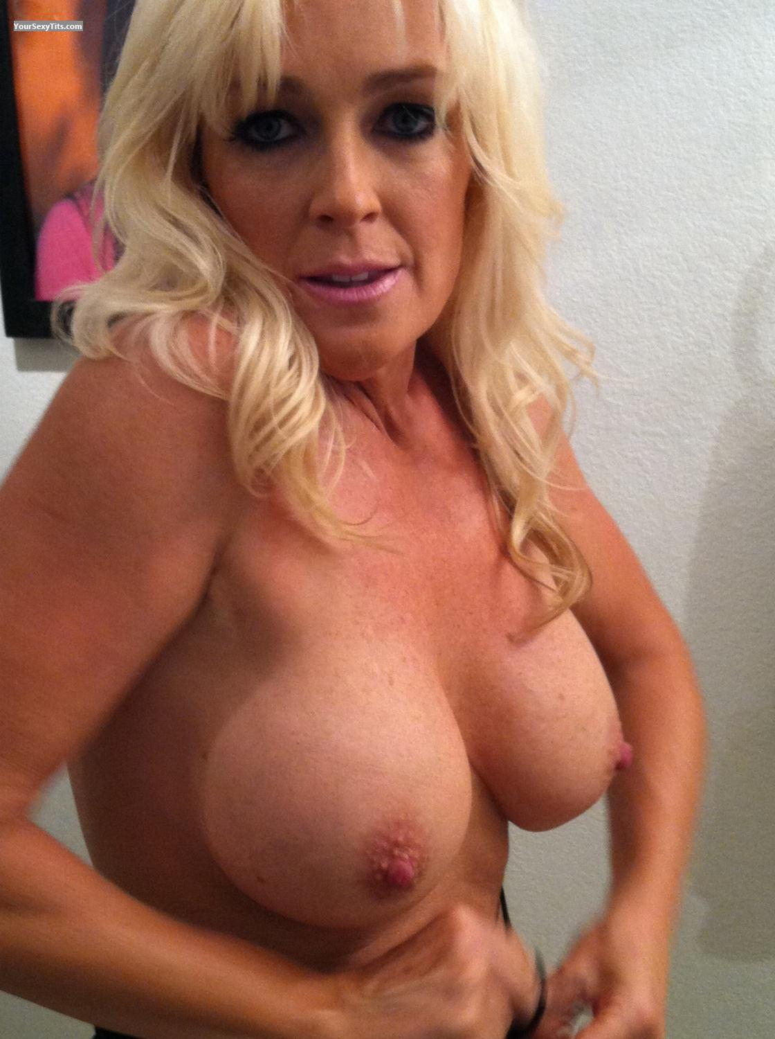 Tit Flash: Big Tits By IPhone - Topless Thotchic from United States