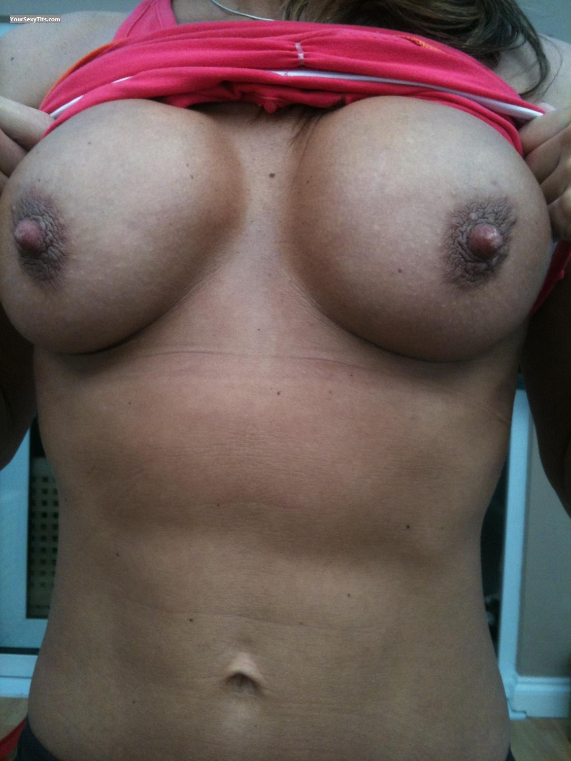 Tit Flash: Medium Tits By IPhone - Lucy from United States
