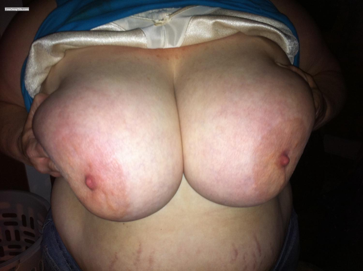 Tit Flash: Big Tits By IPhone - B from United States