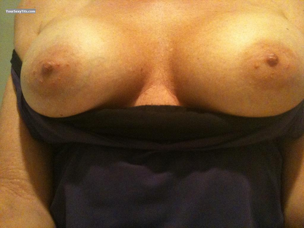 Tit Flash: Big Tits By IPhone - Hotwifeholly42 from United States