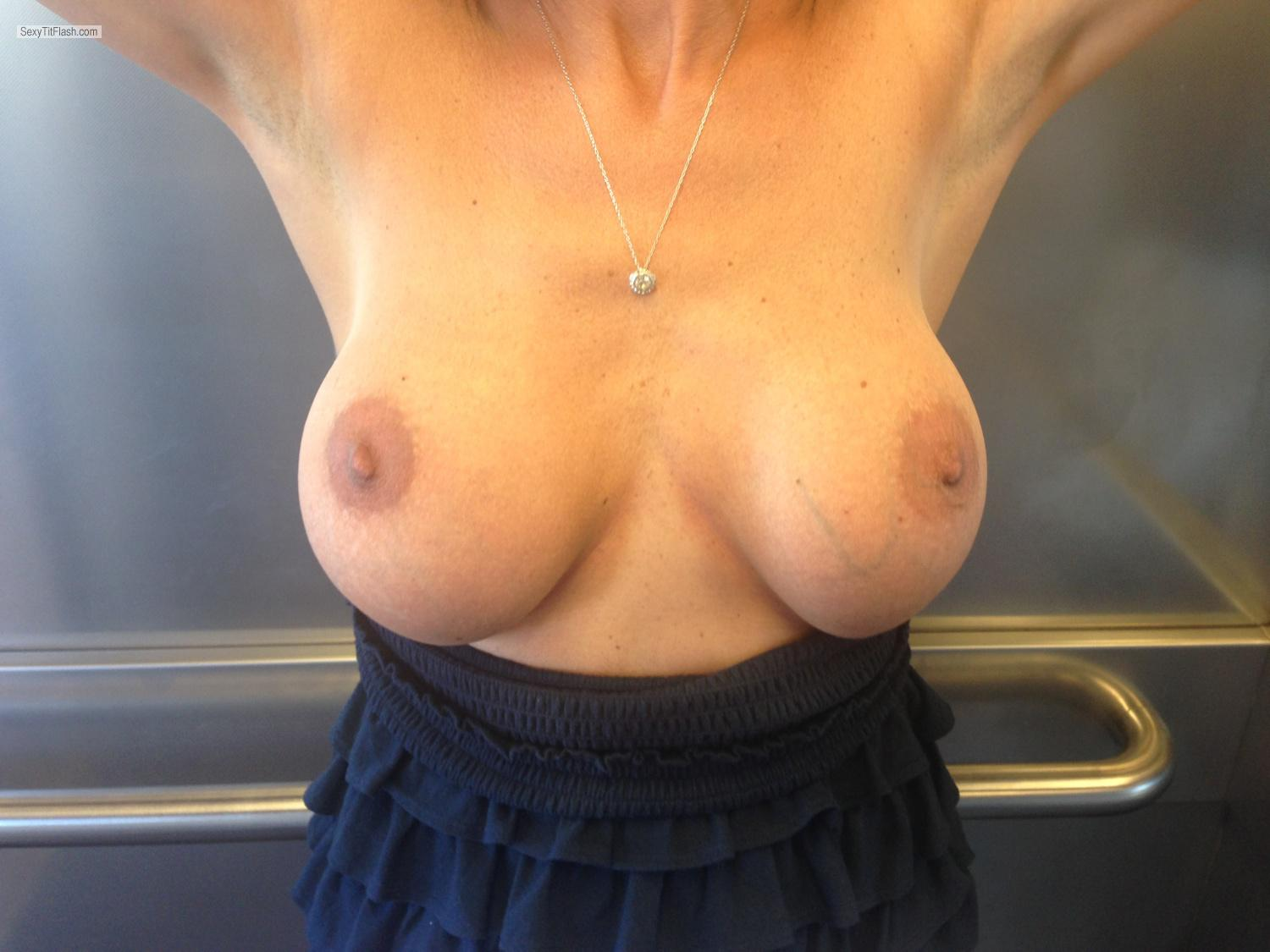 Tit Flash: Big Tits By IPhone - Loo from Spain