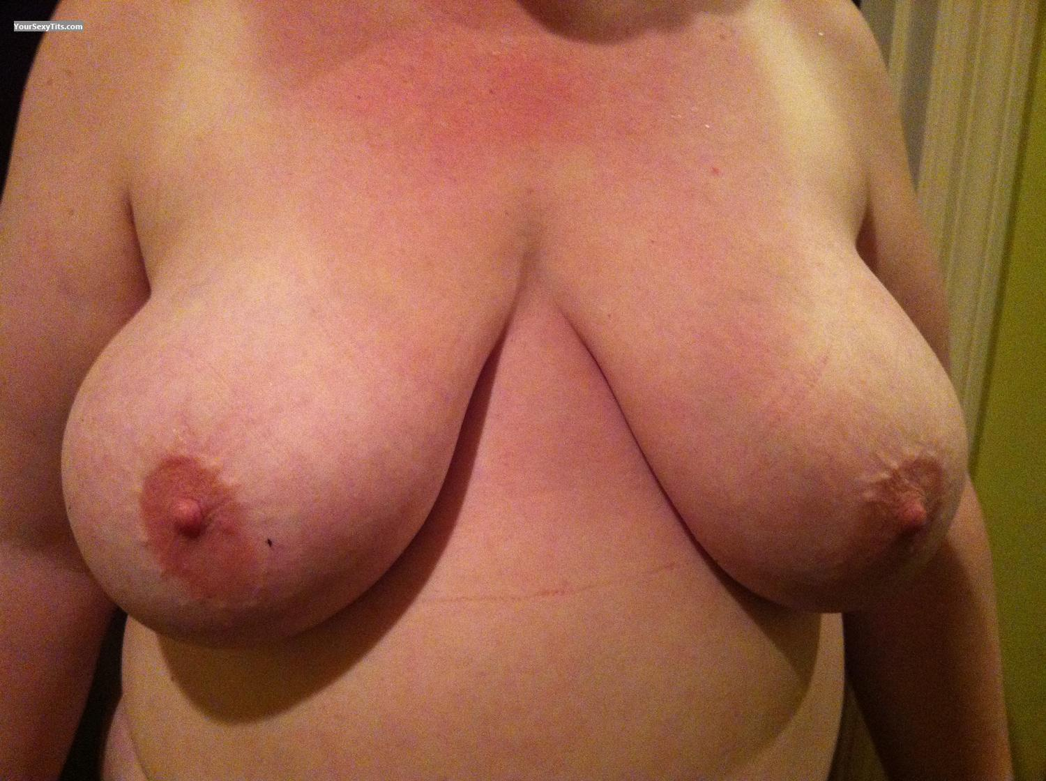 Tit Flash: Big Tits By IPhone - Roz from United States