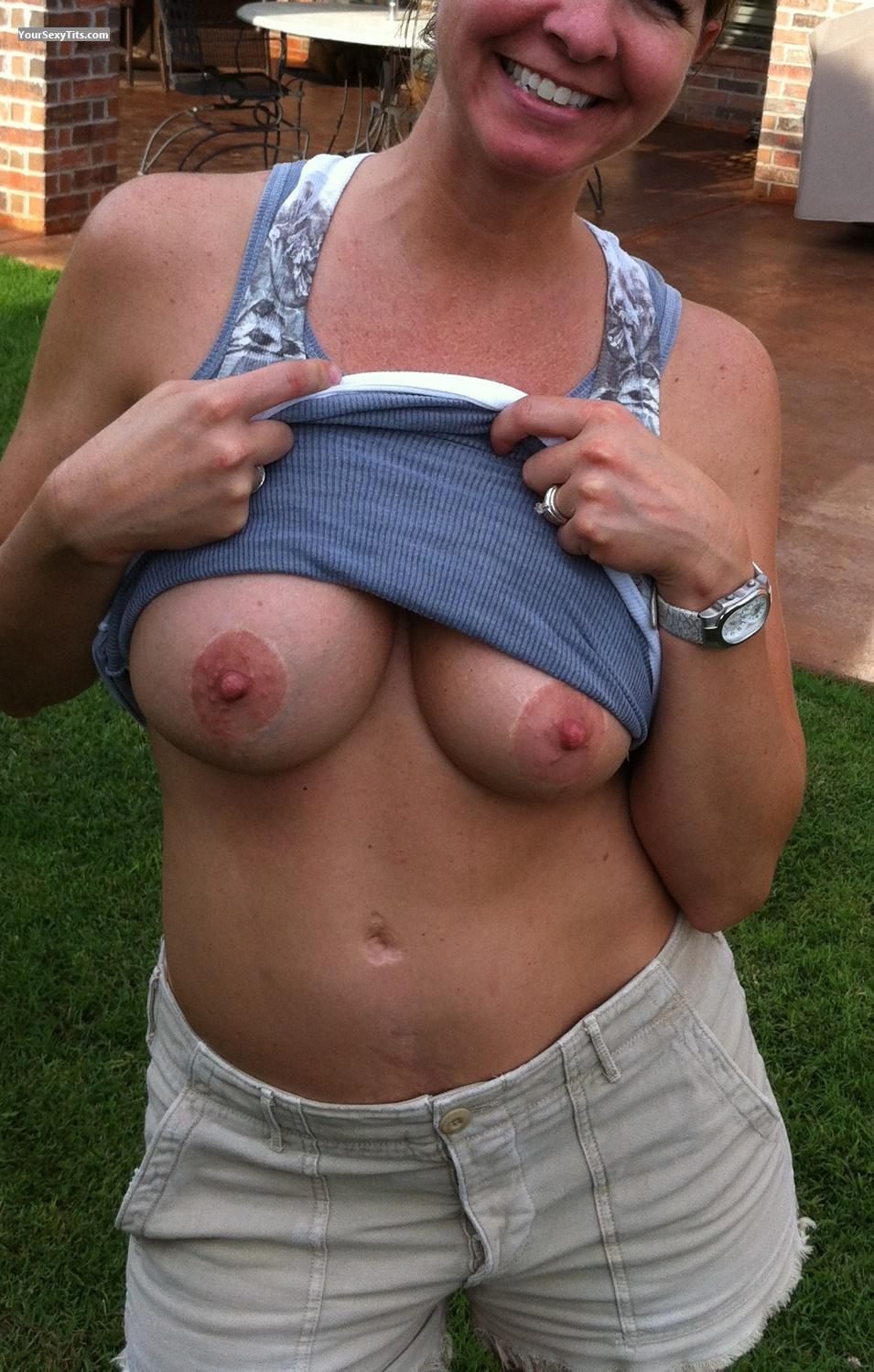 Tit Flash: Big Tits By IPhone - LAS from United States