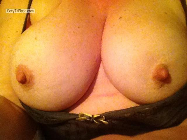 Tit Flash: Big Tits By IPhone - Sexybird from United Kingdom