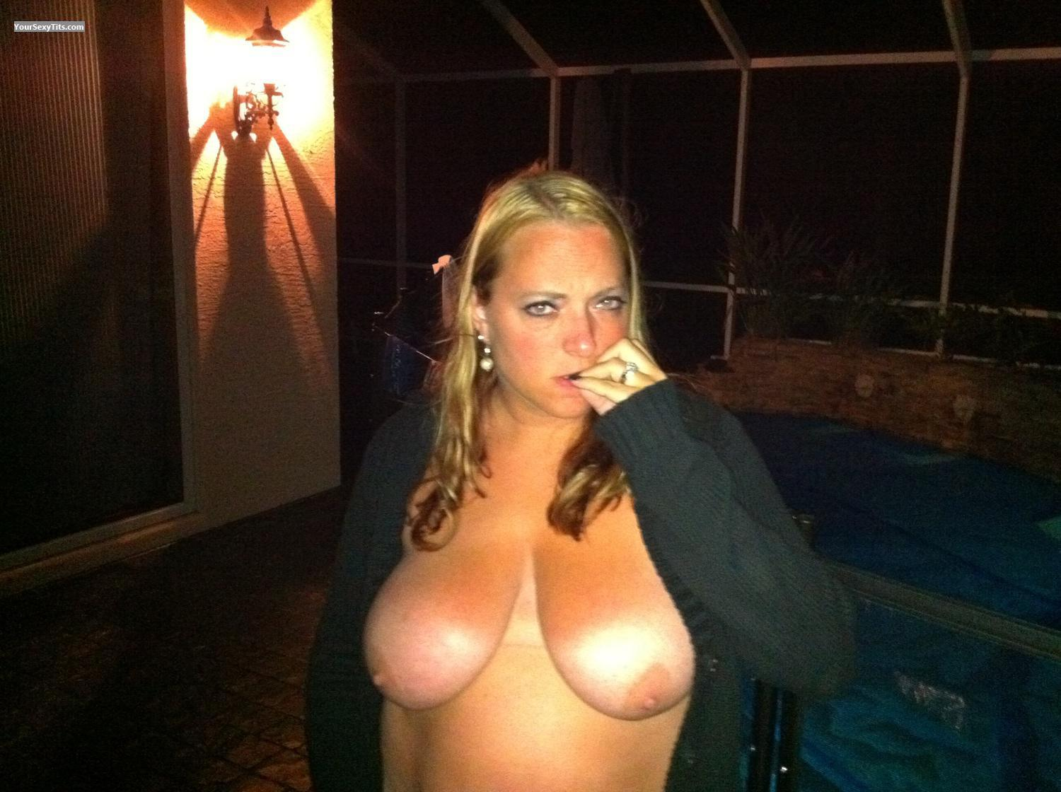 Tit Flash: Big Tits By IPhone - Topless Partylady from United States