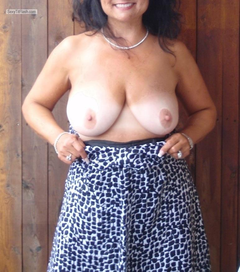Big Tits Daring Mom