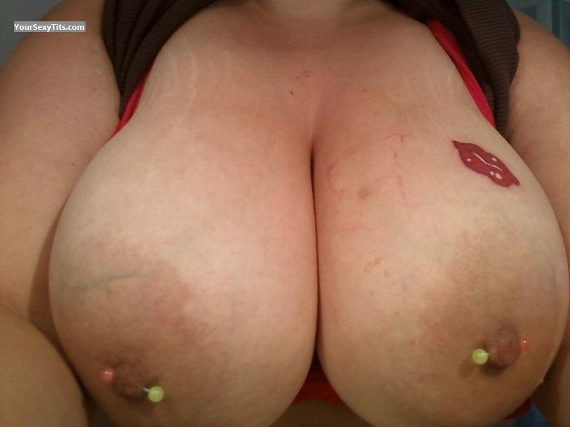 Bbw big tits flash selfie