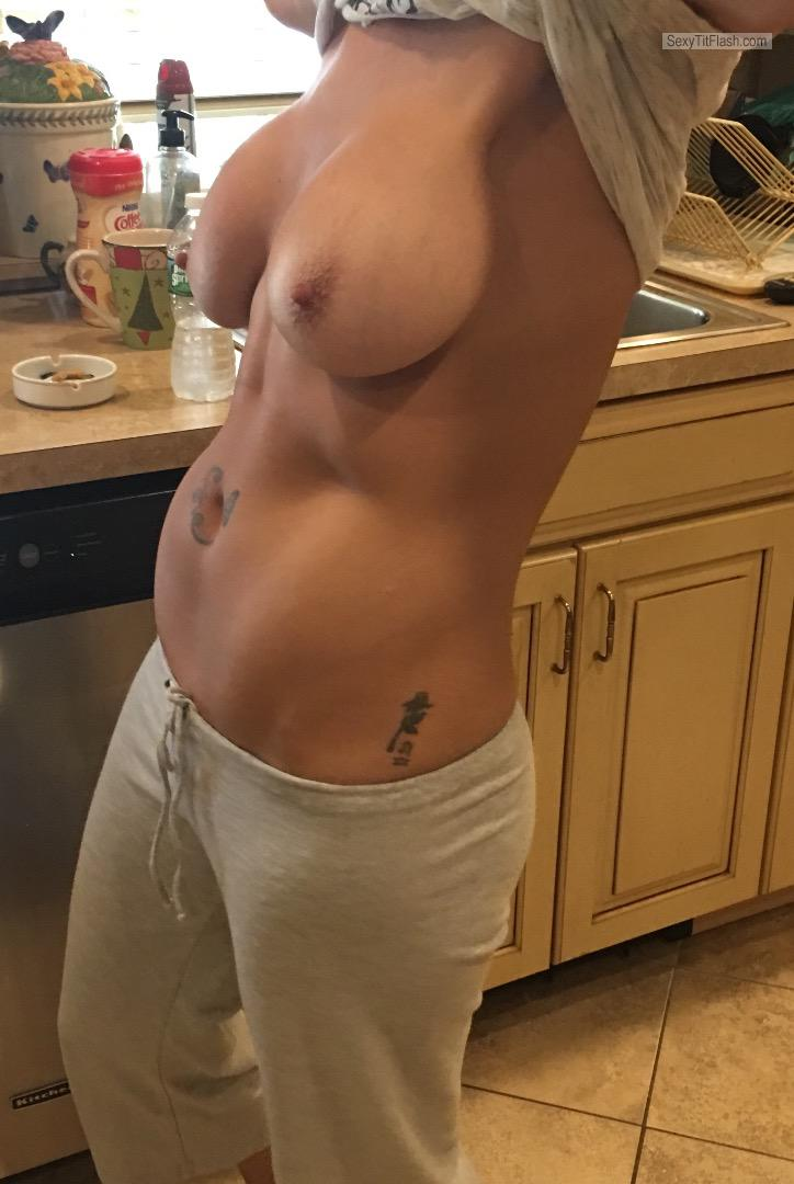 Tit Flash: Girlfriend's Big Tits - Nips from United States