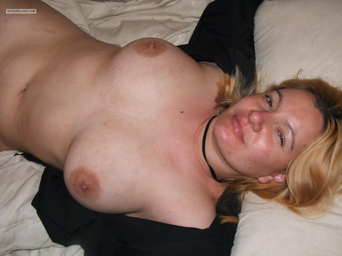Tit Flash: Wife's Big Tits - Topless Marie from South Africa