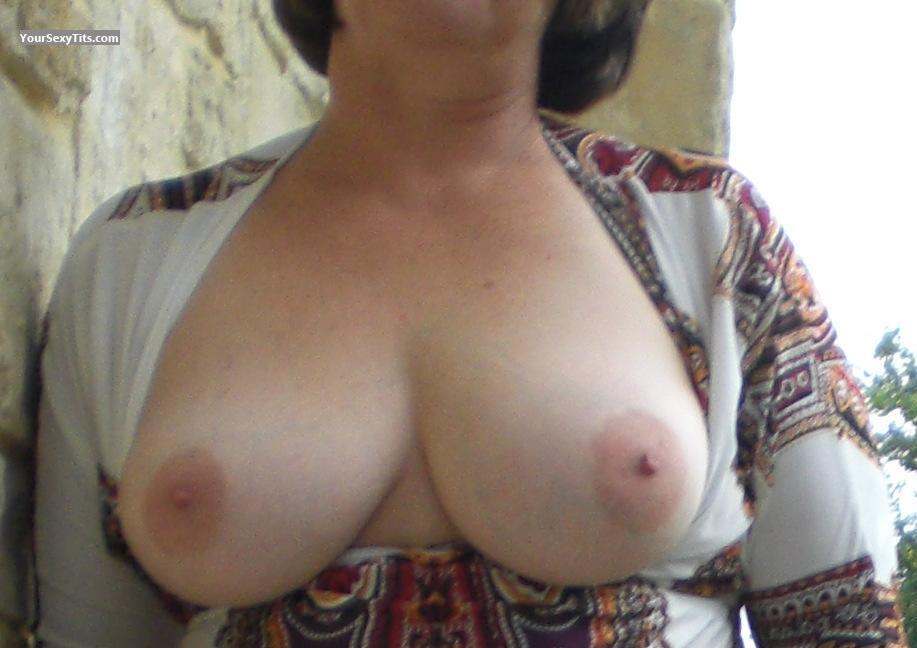 Tit Flash: Big Tits - Sally from United States