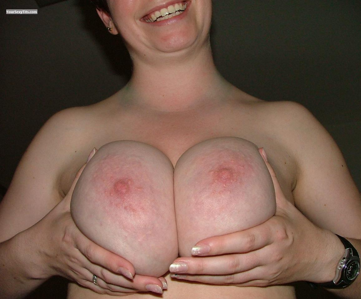 Tit Flash: Big Tits - DD's from United States