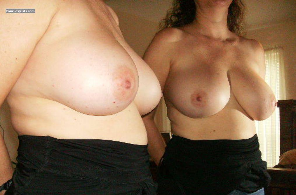 Tit Flash: Girlfriend's Big Tits - Gorgeous Girls from United States