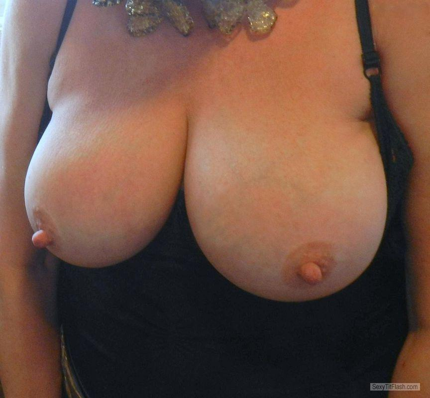 Tit Flash: My Friend's Big Tits - Retro from United States