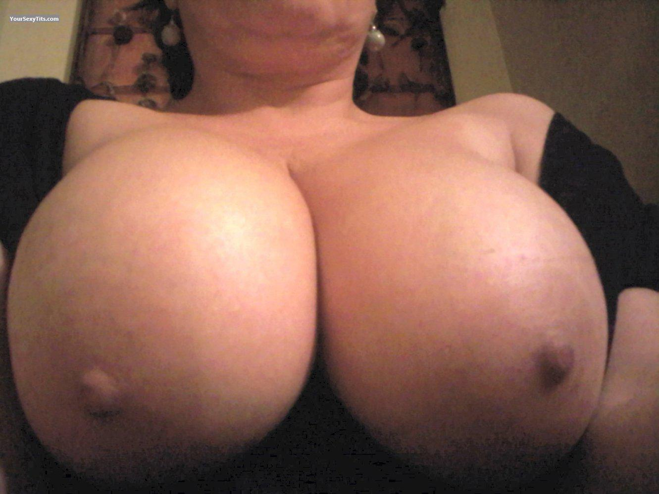 Girlfriend's Big Tits (Selfie) - Betty from United States ...