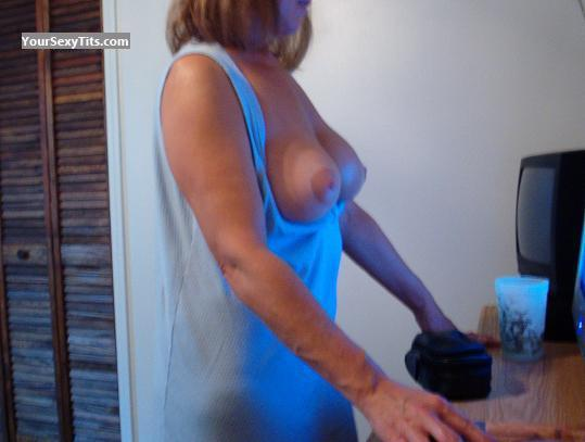 Tit Flash: Big Tits - Swingerbabe from United States