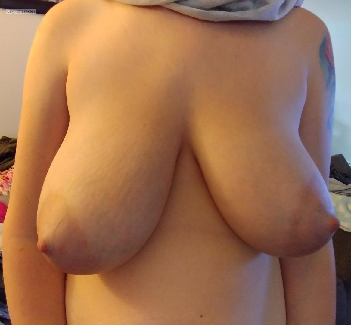 Tit Flash: Wife's Big Tits - Milfymomma from United States