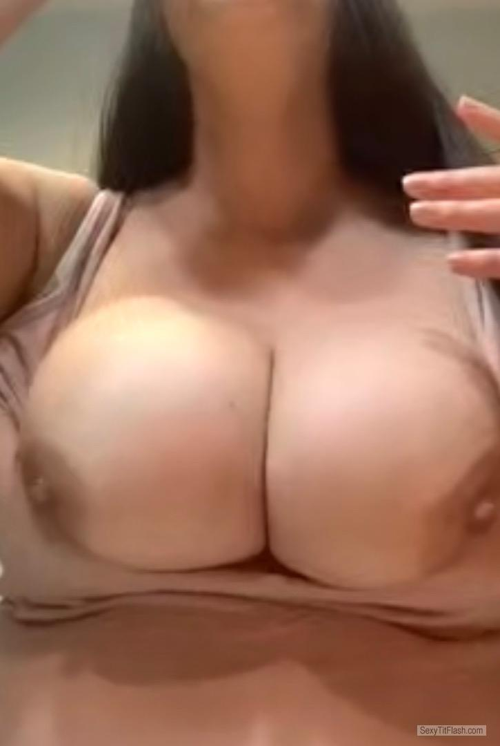 Big Tits Of My Ex-Girlfriend Selfie by Leah