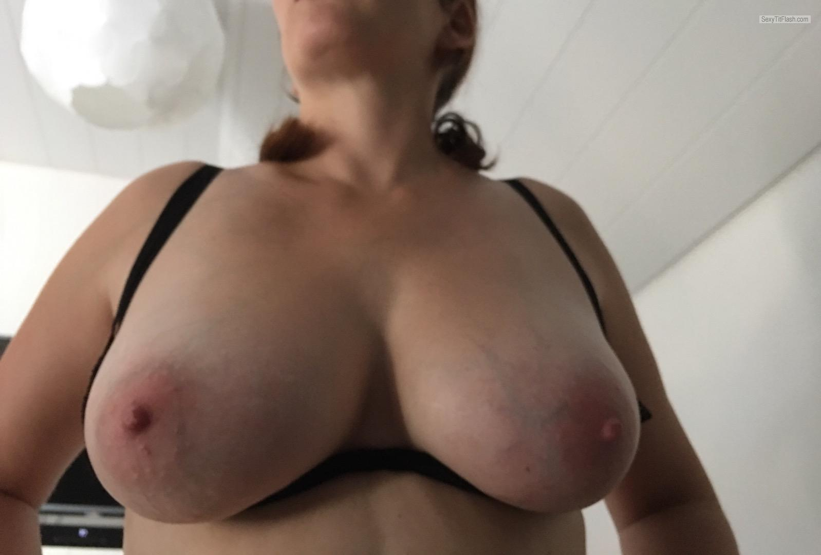 Big Tits Of My Wife Kjsxxx