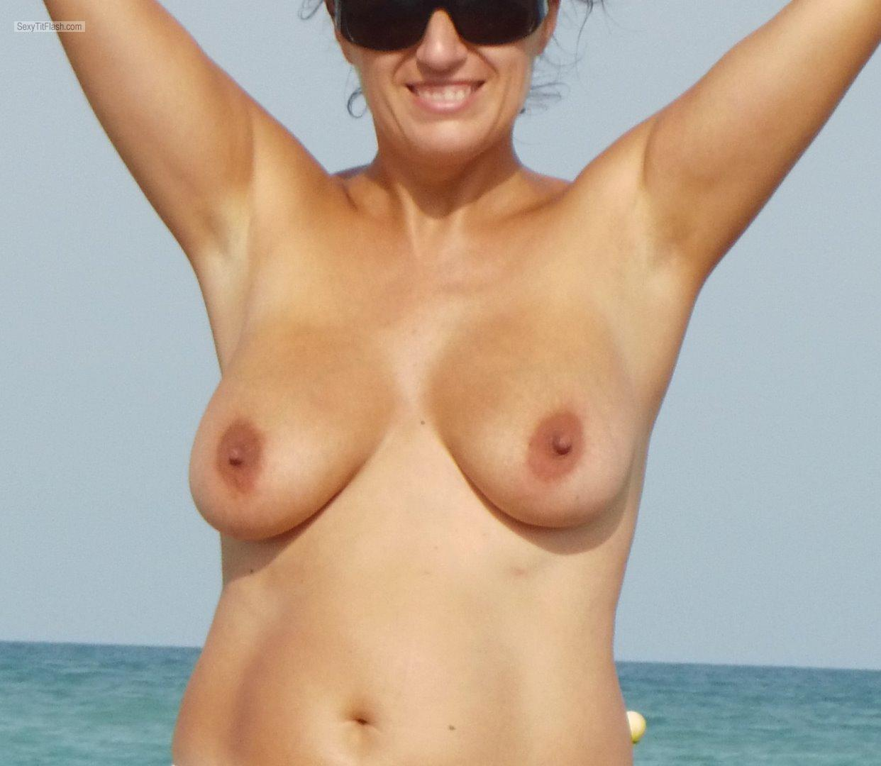 Medium Tits Of My Wife :sofi