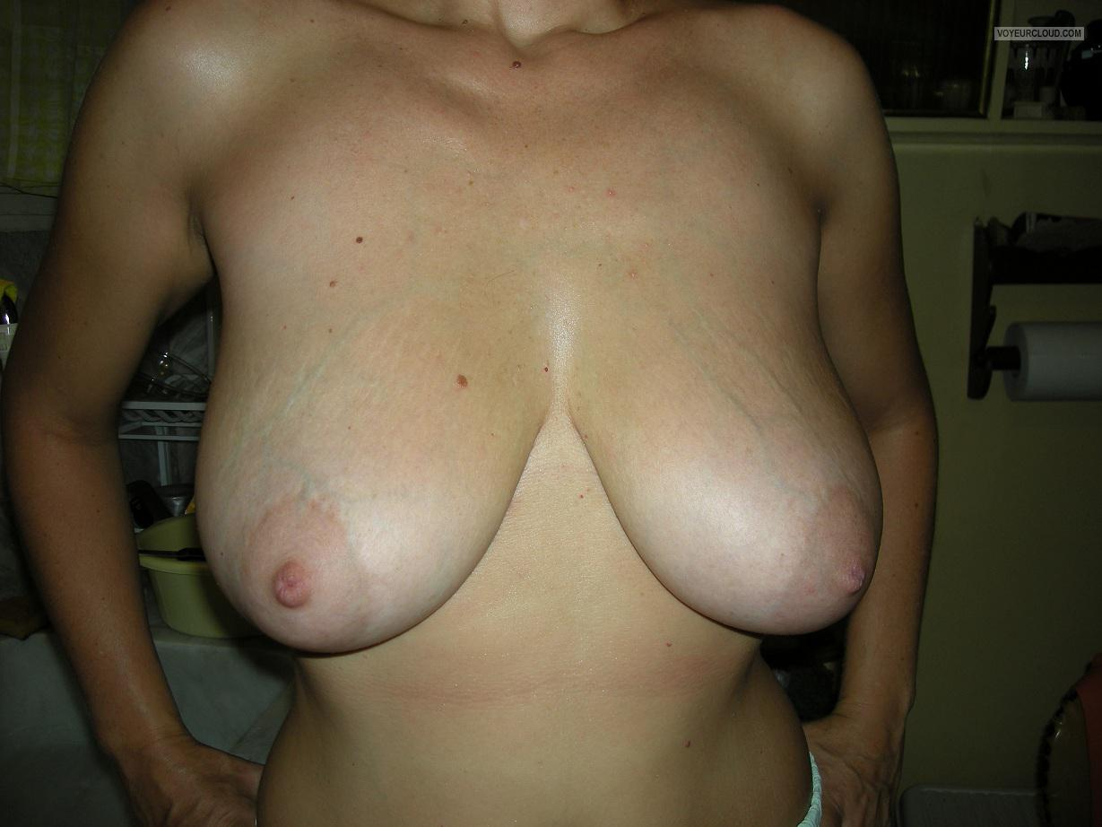 Tit Flash: Girlfriend's Big Tits - M from Italy