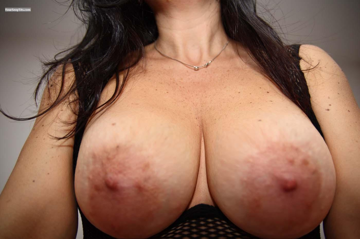 Tit Flash: Big Tits - Laura_max from Italy