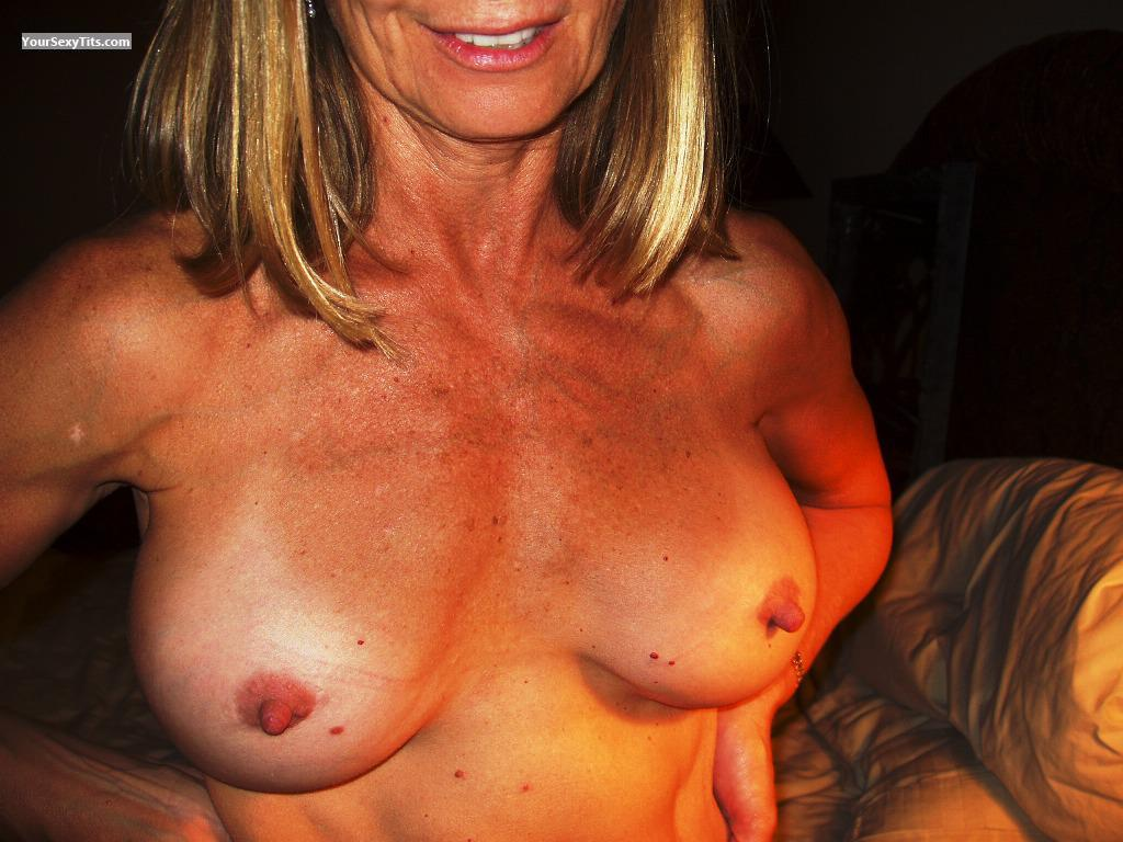 Big Tits Of My Wife VDM