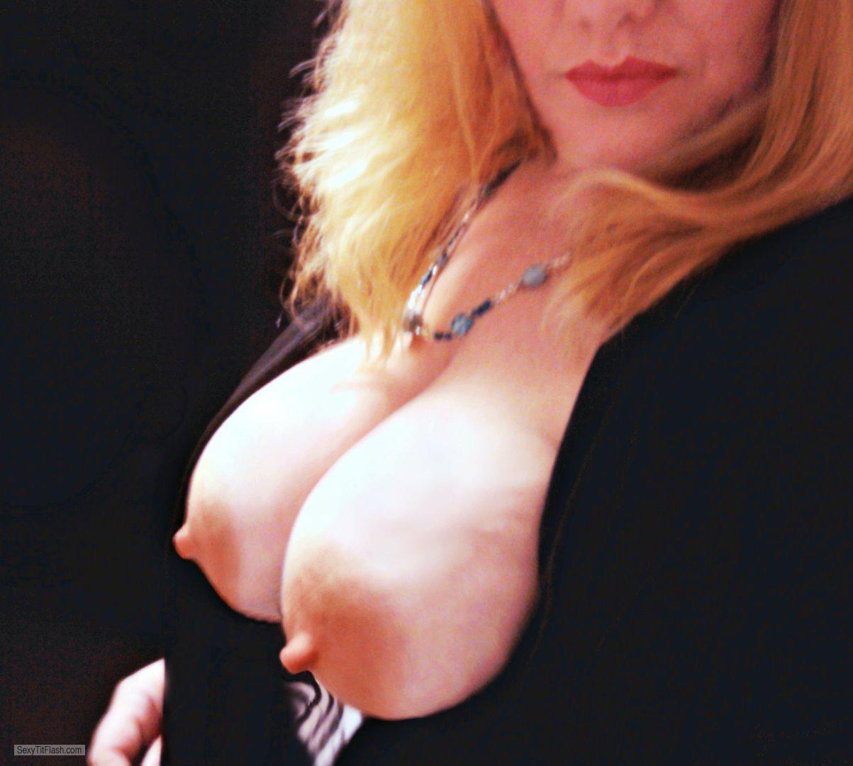 Tit Flash: My Big Tits (Selfie) - DDs4u2c from United States