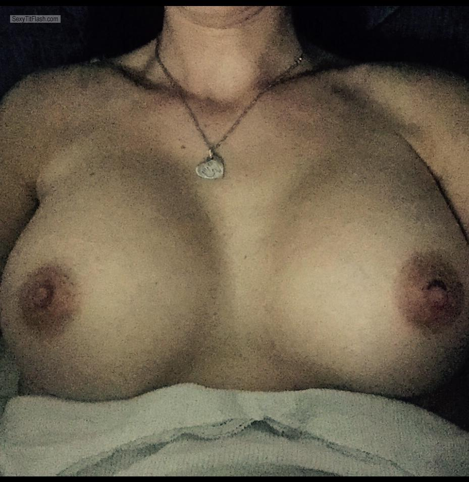 Tit Flash: Wife's Big Tits (Selfie) - Hot Gal from United Kingdom