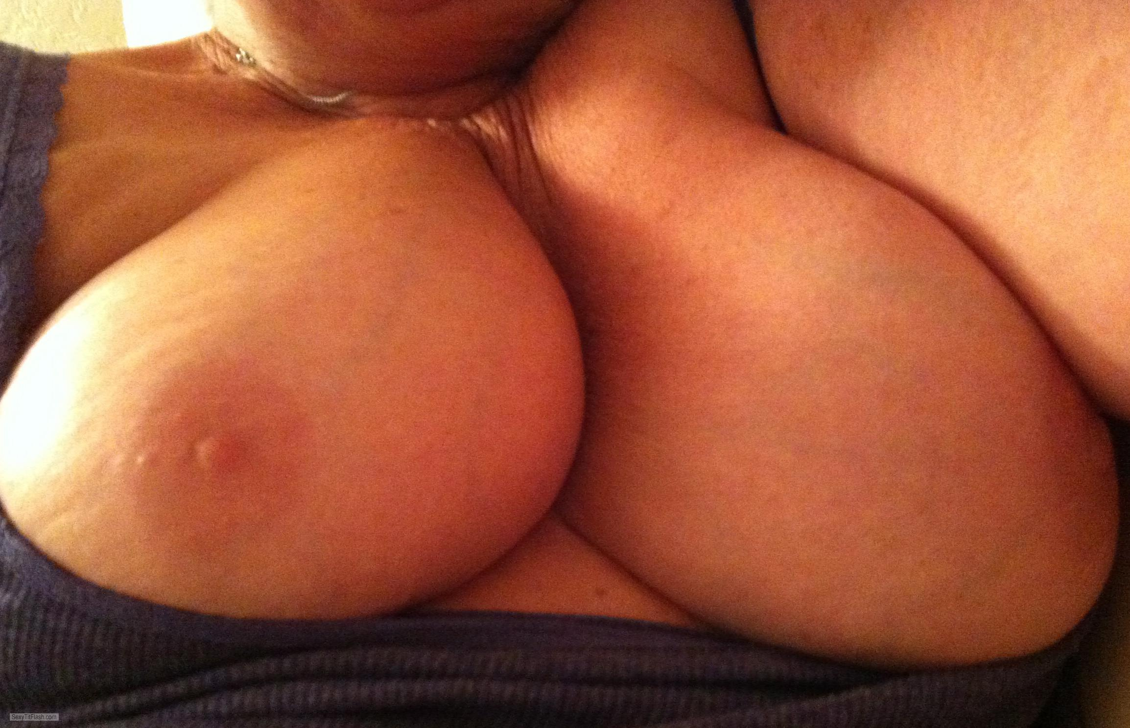 Very big Tits Of My Room Mate Sexy M