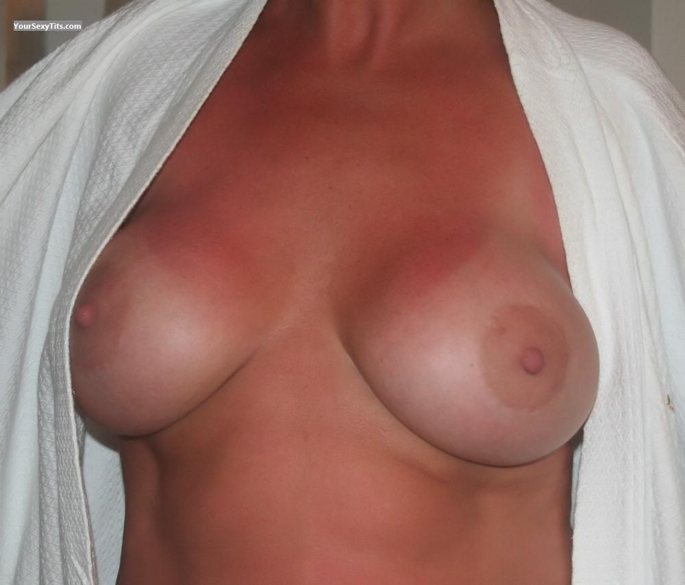 Tit Flash: Big Tits - Amber from United States