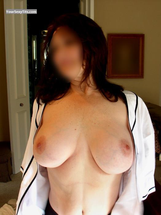 Tit Flash: Wife's Big Tits - Janie from United States
