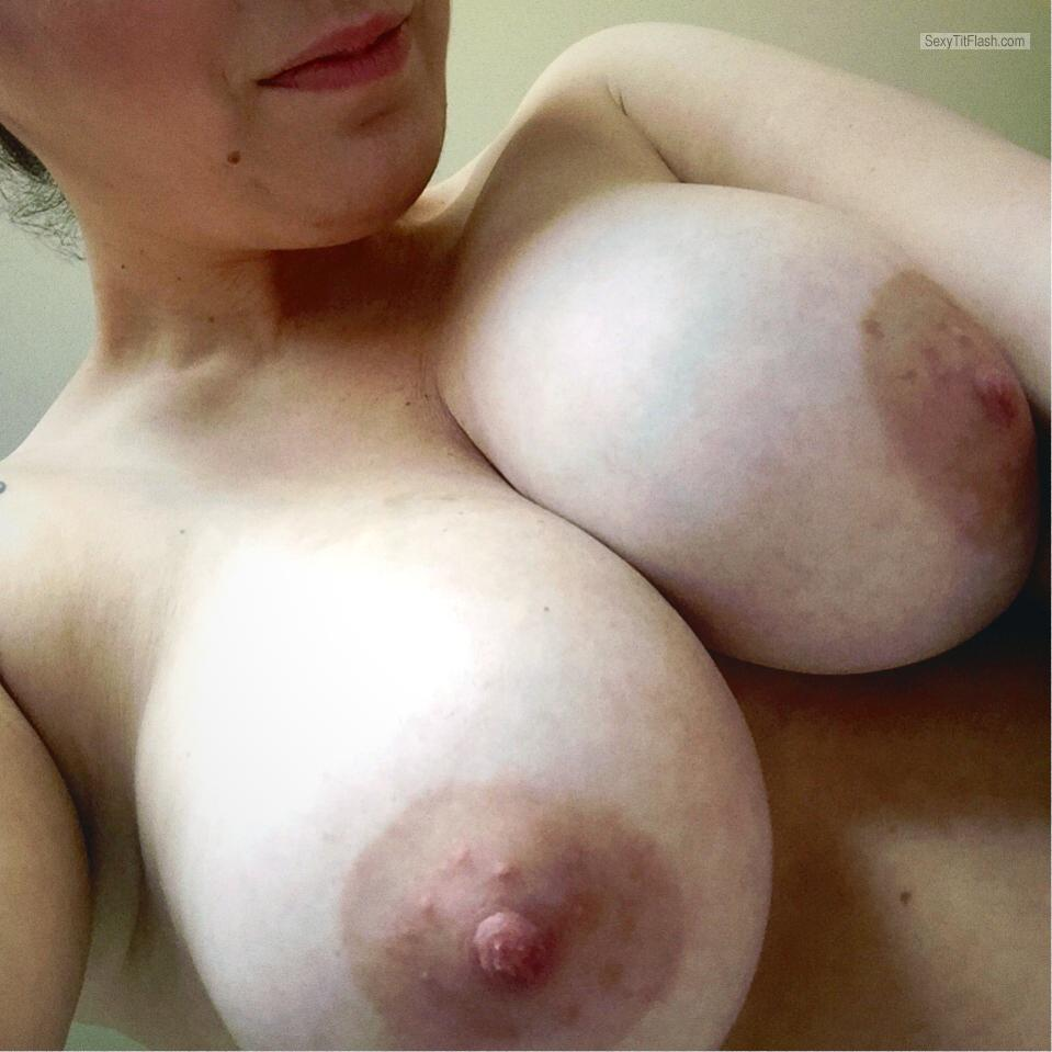 Tit Flash: Wife's Big Tits (Selfie) - Tracey from United Kingdom