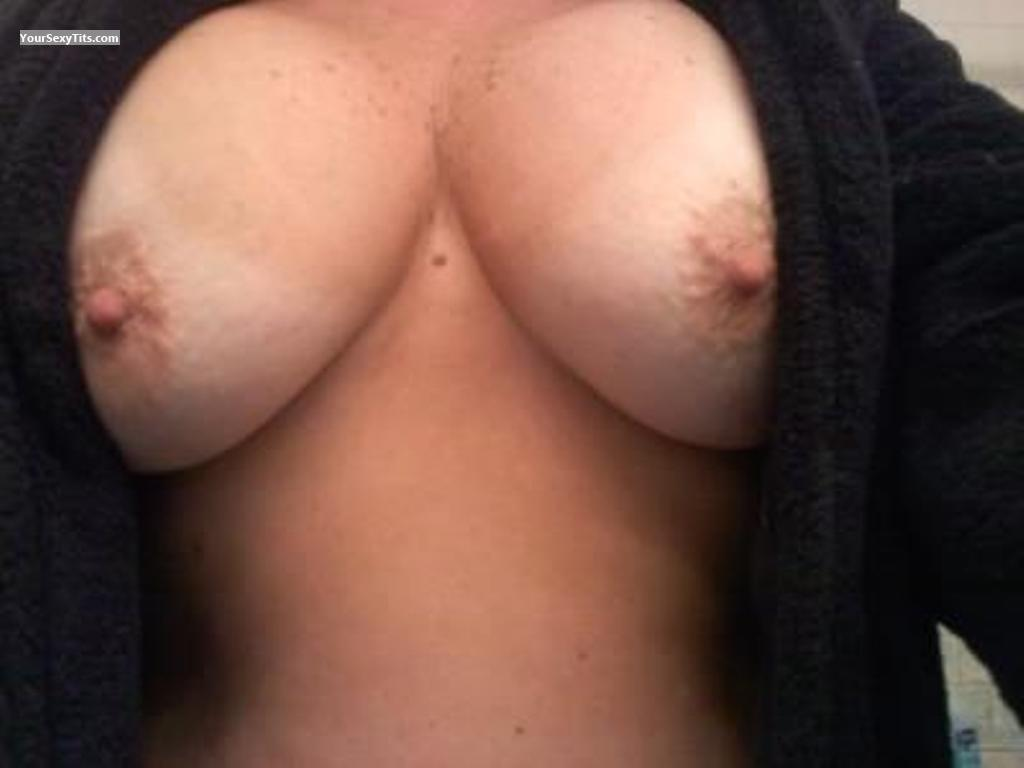 Tit Flash: Big Tits - RIGirl from United States