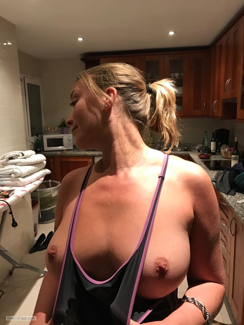 Tit Flash: Girlfriend's Big Tits - Topless Hot? from United Kingdom