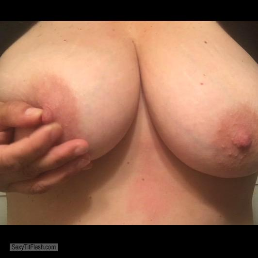 Tit Flash: Wife's Big Tits - Topless Shsn from United States