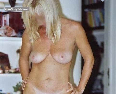 Tit Flash: Small Tits - Blond MILF from Italy