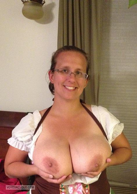 My Big Tits Topless Cindy
