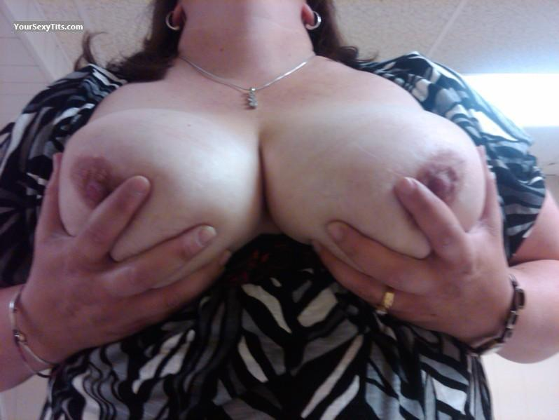 Tit Flash: Big Tits - Mrs. Bear Fan from United States