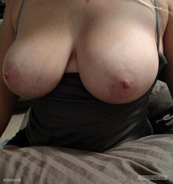 Tit Flash: My Big Tits - Topless Big Tittied Tracy from United Kingdom