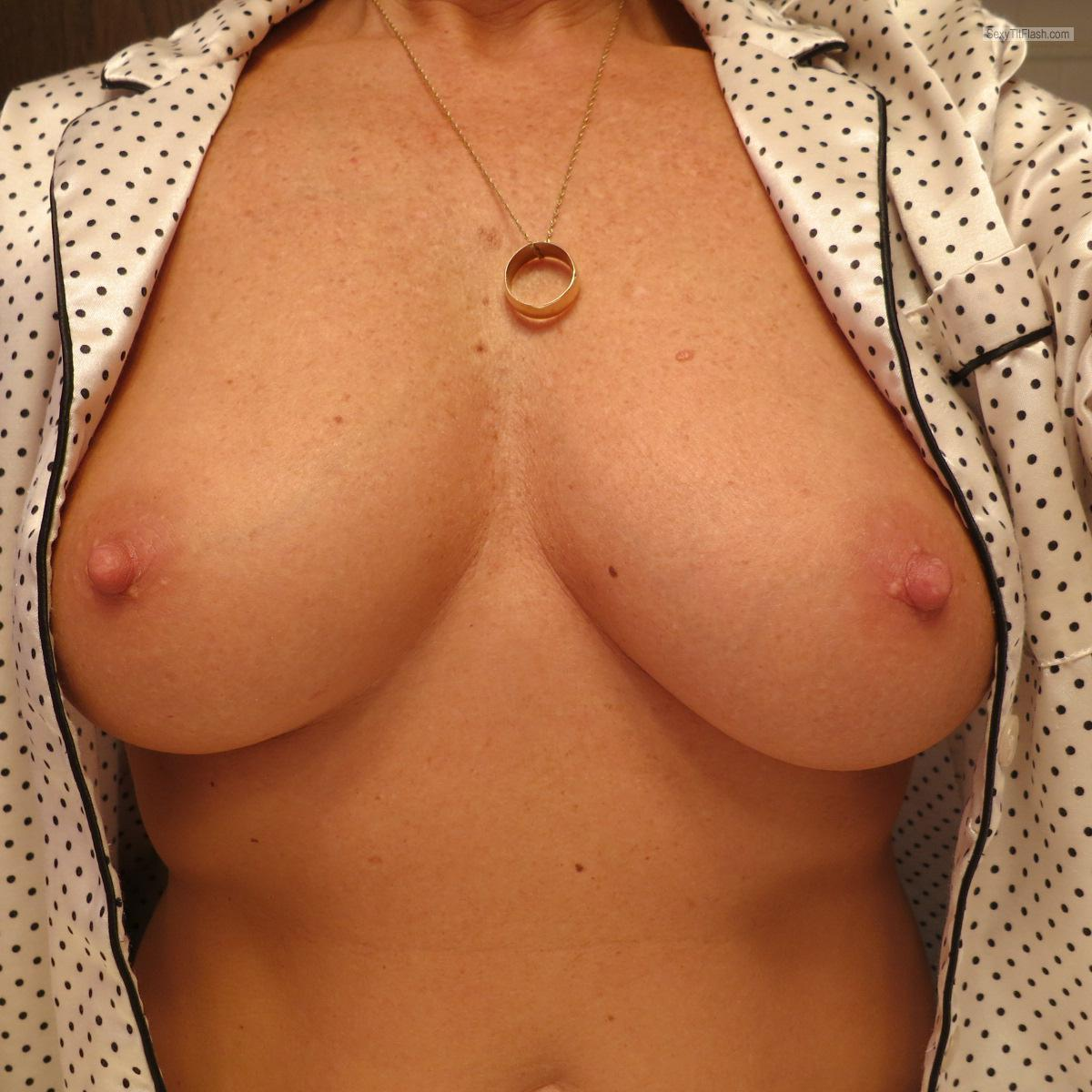 Medium Tits Of My Wife My Sexy Wife